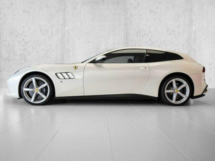 Ferrari GTC4 Lusso #toit panoramique en verre Bianco Italia - 11