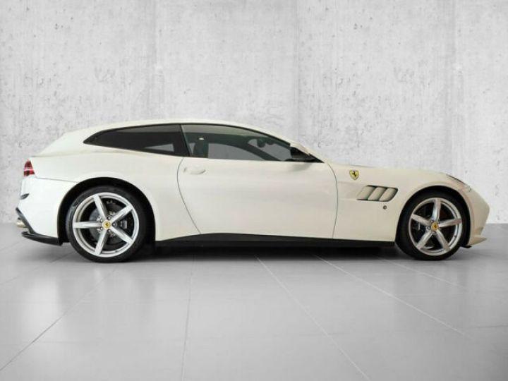 Ferrari GTC4 Lusso #toit panoramique en verre Bianco Italia - 12