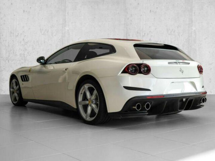 Ferrari GTC4 Lusso #toit panoramique en verre Bianco Italia - 13