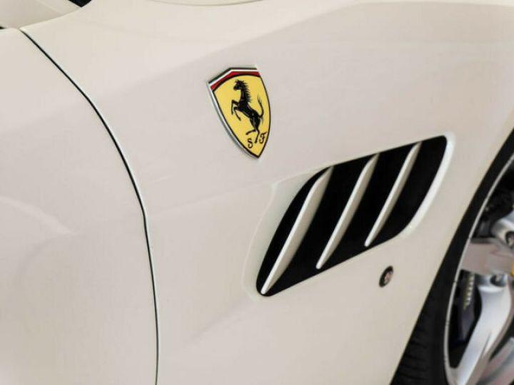 Ferrari GTC4 Lusso #toit panoramique en verre Bianco Italia - 15