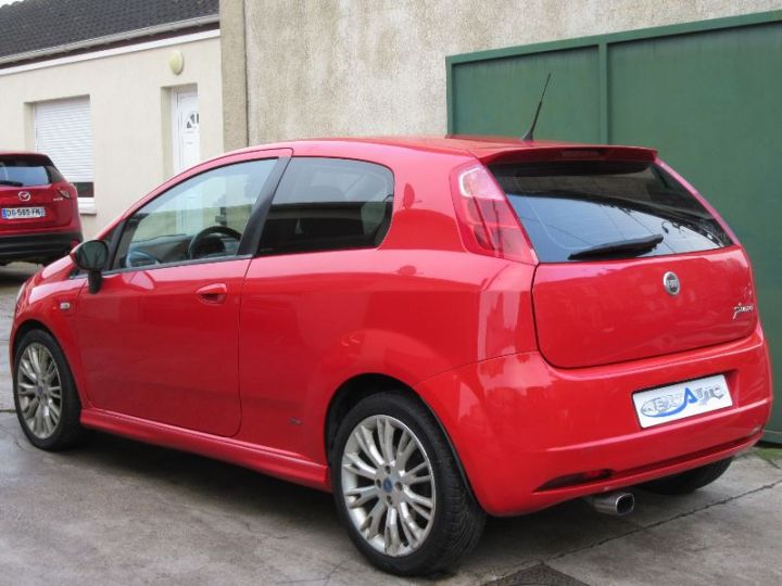 Fiat GRANDE PUNTO 1.9 MULTIJET 8V 130CH SPORT 3P ROUGE Occasion - 3