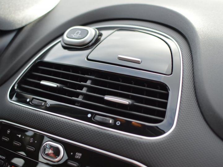 Fiat PUNTO AFFAIRE À SAISIR FIAT PUNTO 1.4 ESSENCE 105 1ère main BLUETOOTH CLIM PARFAIT ÉTAT 7000KMS RARE NOIR - 8