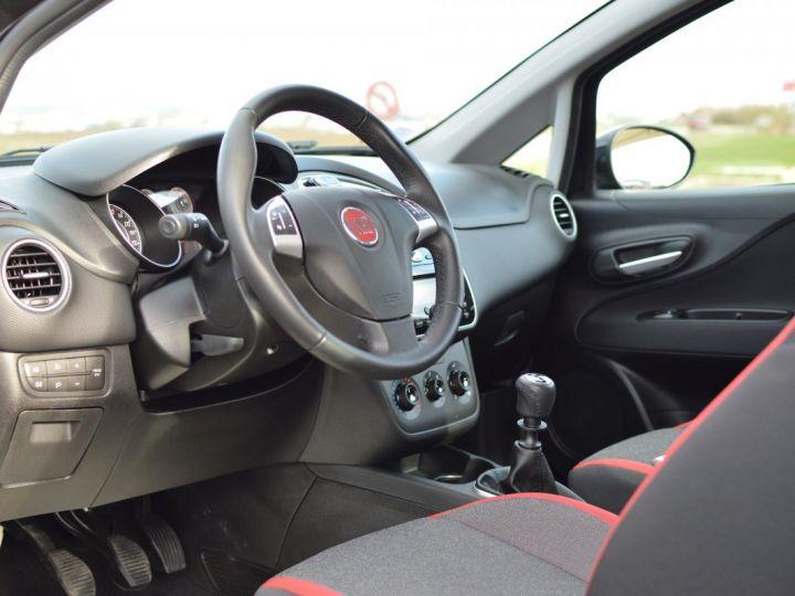 Fiat PUNTO AFFAIRE À SAISIR FIAT PUNTO 1.4 ESSENCE 105 1ère main BLUETOOTH CLIM PARFAIT ÉTAT 7000KMS RARE NOIR - 7