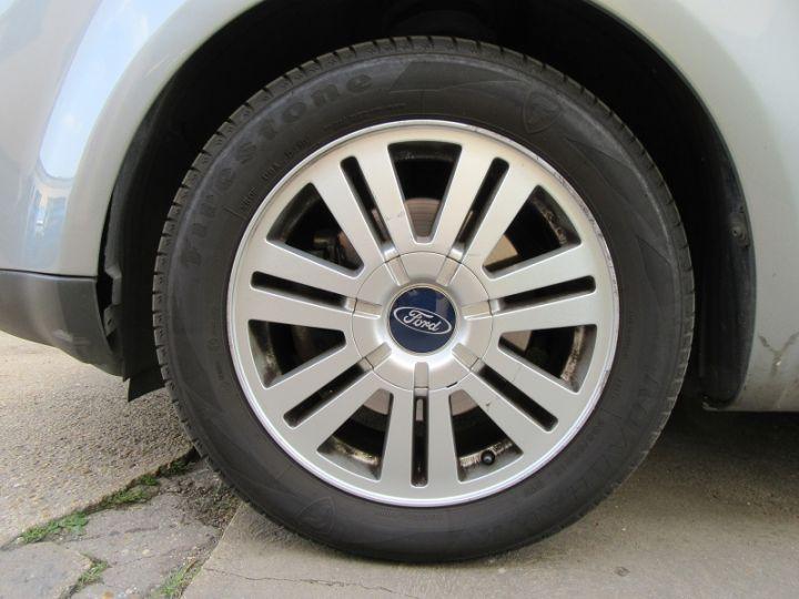 Ford C-MAX 1.6 TDCI 110CH GHIA GRIS CLAIR Occasion - 11