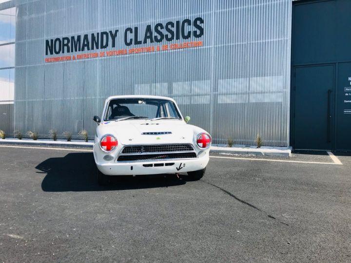 Ford Cortina BLANC - 1
