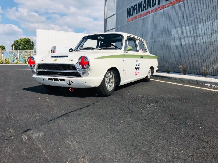 Ford Cortina BLANC - 4