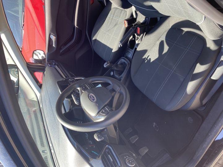 Ford Fiesta 1.1 70CH ESSENTIAL 3P EURO6.2 Noir - 3