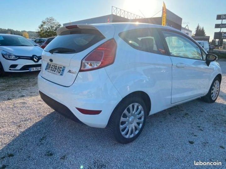 Ford Fiesta 1.5 tdci 75CH EDITION Blanc Occasion - 2