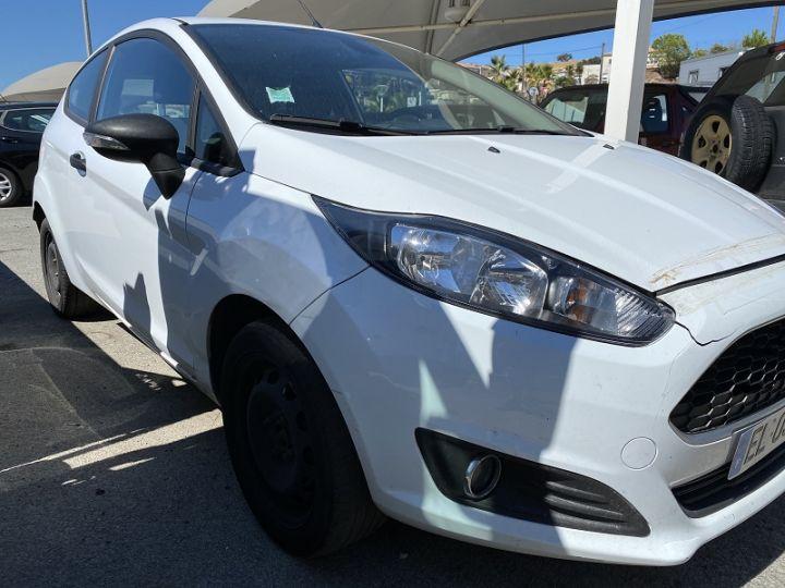 Ford Fiesta 1.5 TDCI 95CH TREND 3P Blanc - 6