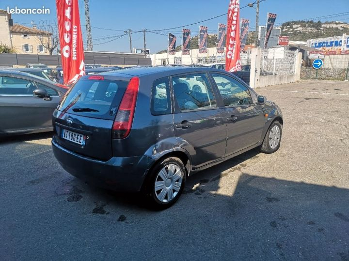Ford Fiesta GRIS FONCE Occasion - 4