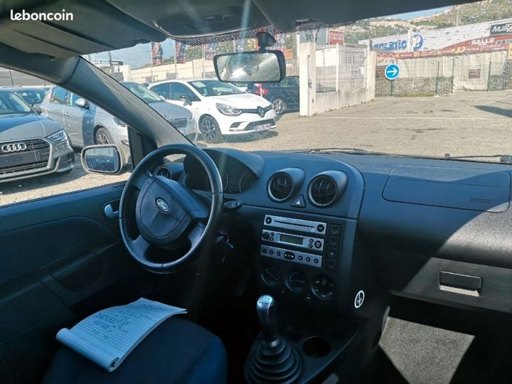 Ford Fiesta GRIS FONCE Occasion - 5