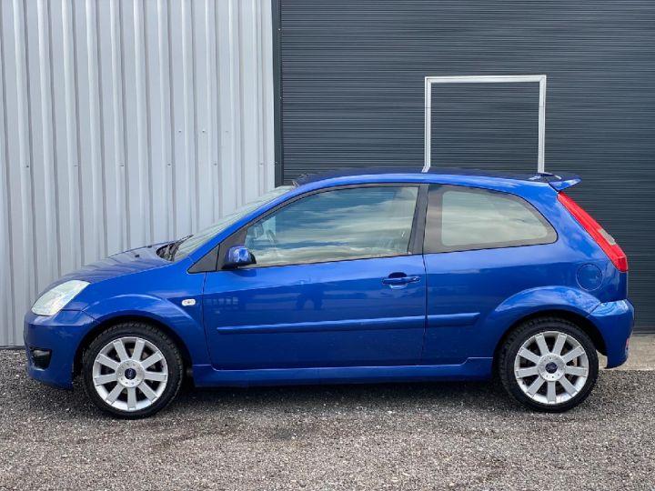 Ford Fiesta 2.0.i ST Bleu - 2