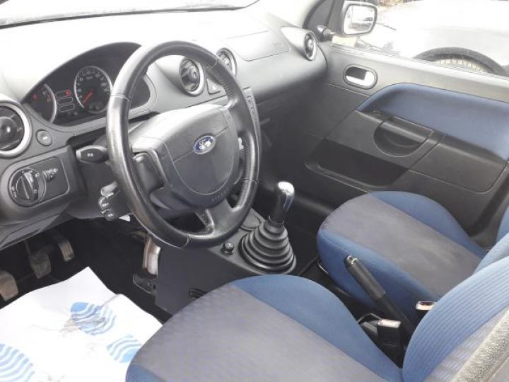Ford Fiesta IV 4 1.3 69 SENSO 5P  - 6