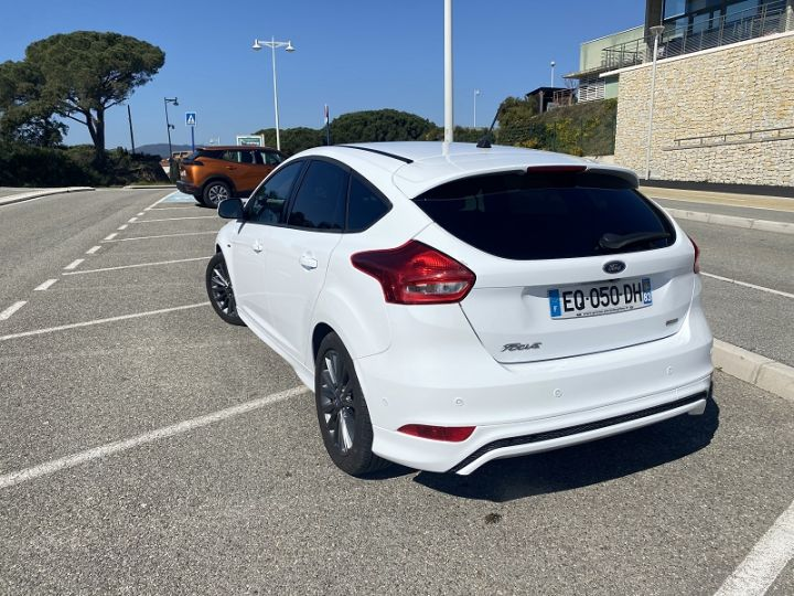Ford Focus 1.0 ECOBOOST 125CH STOP&START EXECUTIVE Blanc - 2