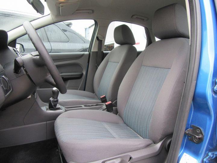 Ford Focus 1.6 100CH AMBIENTE 5P Bleu Clair - 2