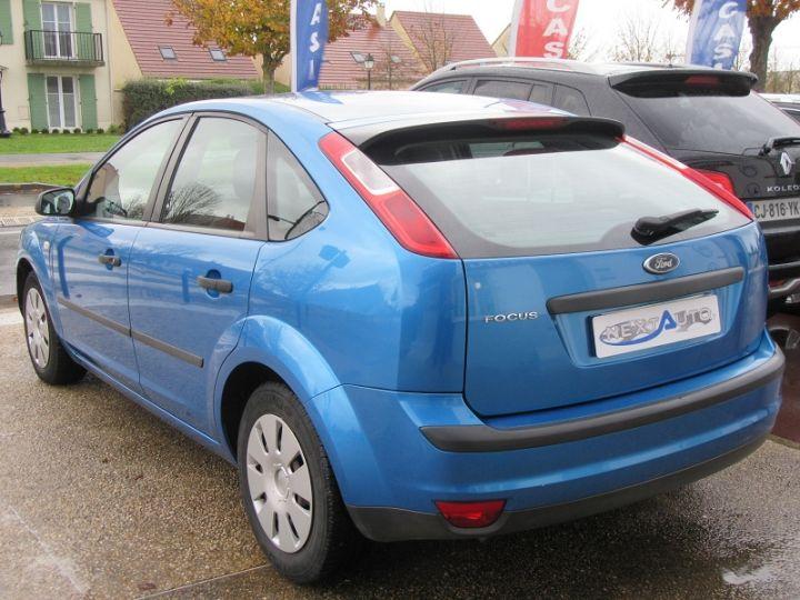 Ford Focus 1.6 100CH AMBIENTE 5P Bleu Clair - 3