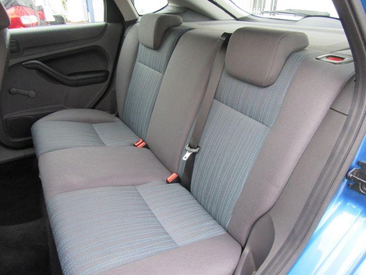 Ford Focus 1.6 100CH AMBIENTE 5P Bleu Clair - 6
