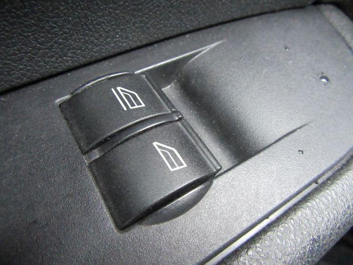 Ford Focus 1.6 100CH AMBIENTE 5P Bleu Clair - 9
