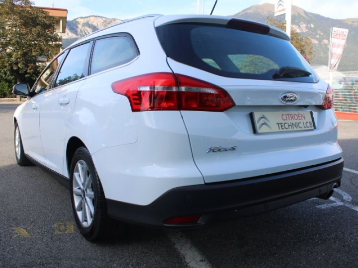 Ford Focus SW 2.0 TDCI 150 S&S Titanium PowerShift Blanc - 4