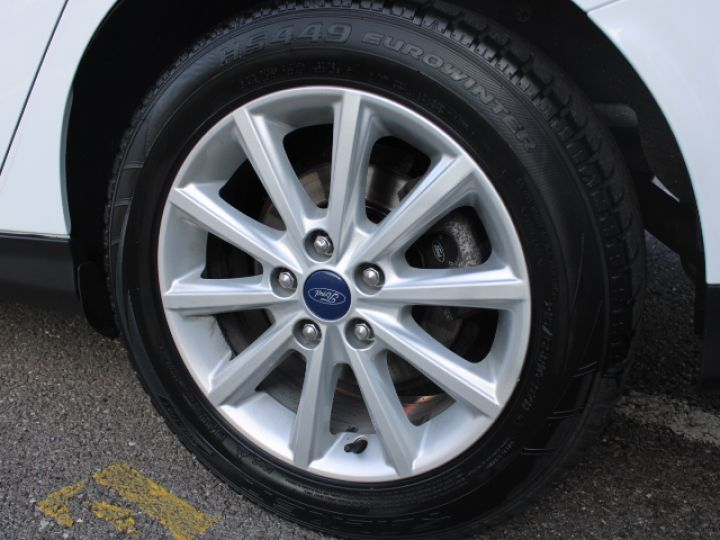 Ford Focus SW 2.0 TDCI 150 S&S Titanium PowerShift Blanc - 11