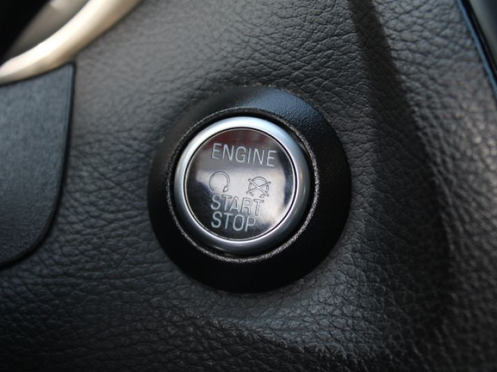 Ford Focus SW 2.0 TDCI 150 S&S Titanium PowerShift Blanc - 18
