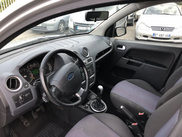 Ford Fusion 1.4i 80CH TREND  GRIS METAL Occasion - 5