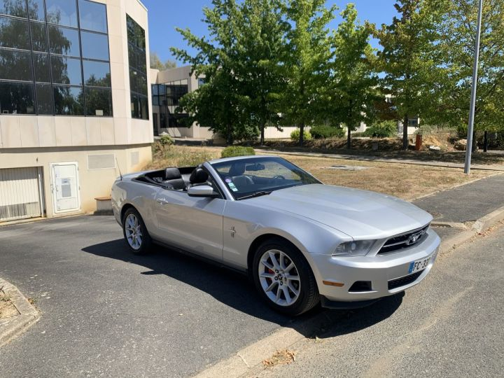 Ford Mustang Cabriolet  Gris argent  Occasion - 1