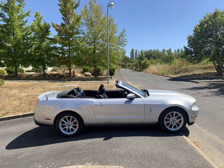 Ford Mustang Cabriolet  Gris argent  Occasion - 3