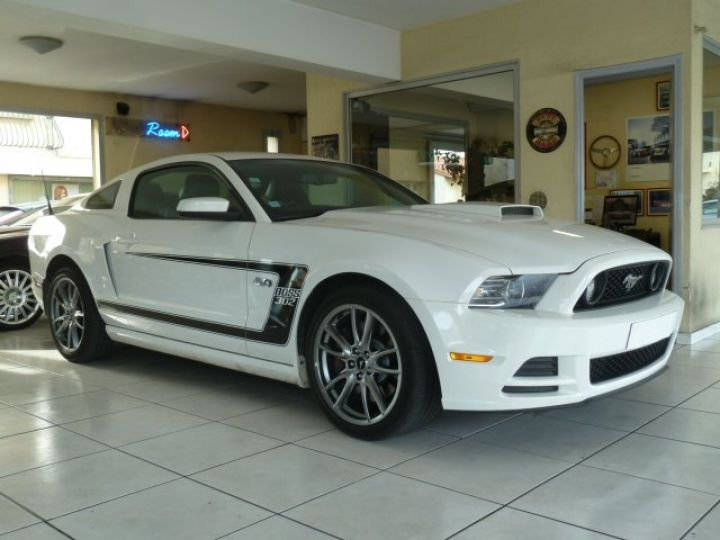Ford Mustang COUPE GT 5.0 L V8  BLANC - 1