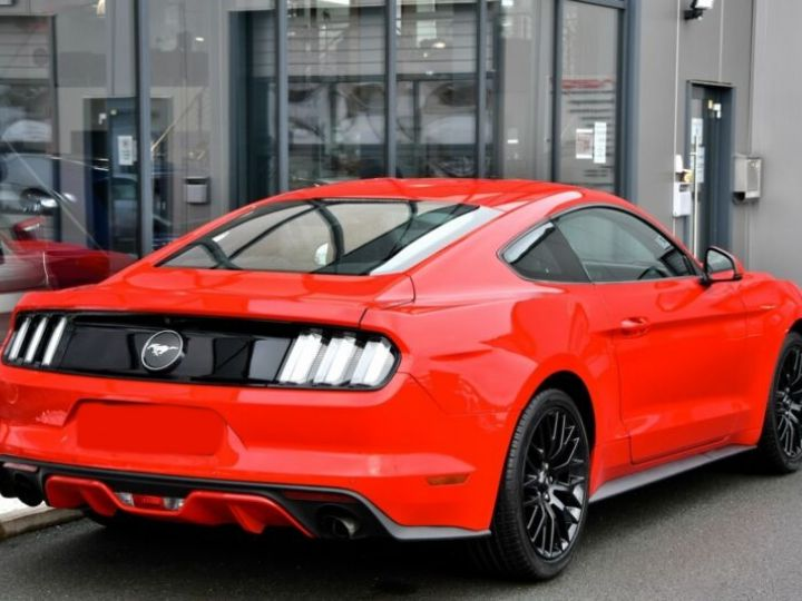 Ford Mustang Fastback Coupé 2.3 EcoBoost ROUGE - 4