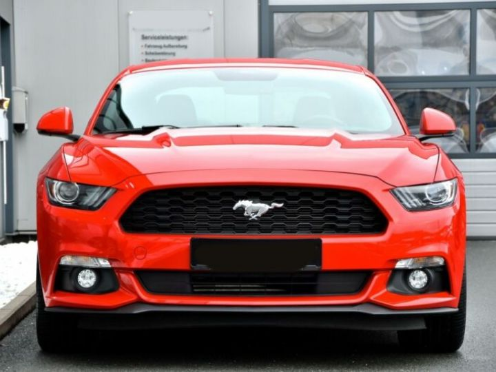 Ford Mustang Fastback Coupé 2.3 EcoBoost ROUGE - 15