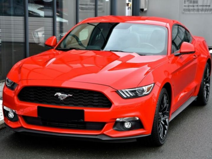 Ford Mustang Fastback Coupé 2.3 EcoBoost ROUGE - 17
