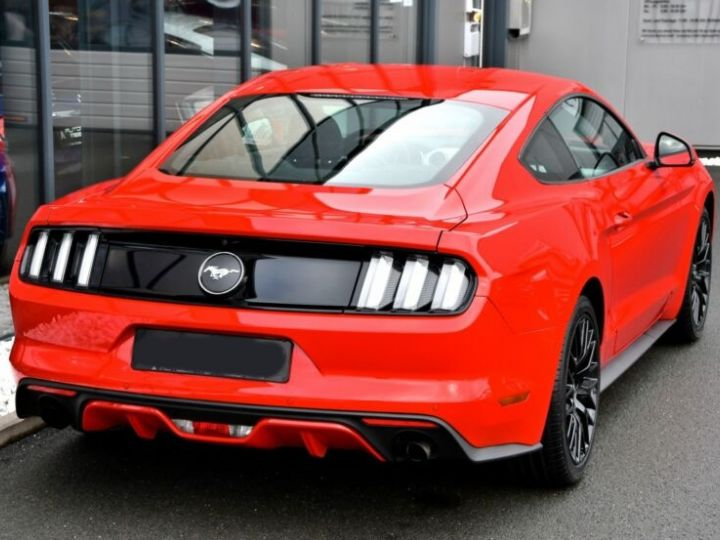 Ford Mustang Fastback Coupé 2.3 EcoBoost ROUGE - 18