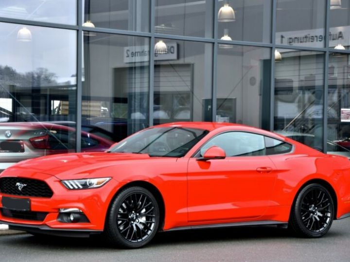 Ford Mustang Fastback Coupé 2.3 EcoBoost ROUGE - 20