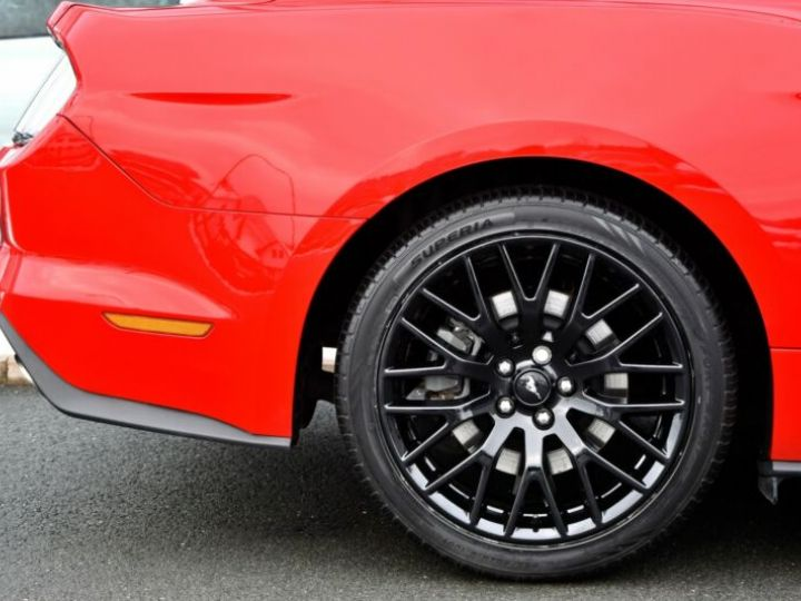 Ford Mustang Fastback Coupé 2.3 EcoBoost ROUGE - 25