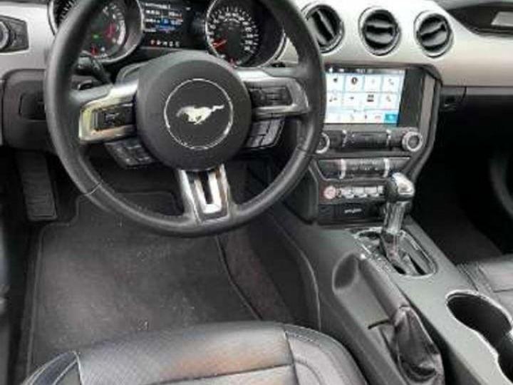 Ford Mustang  Fastback VI 5.0 V8 421ch GT BVA6 Garantie & Livrée Noir Métal - 3