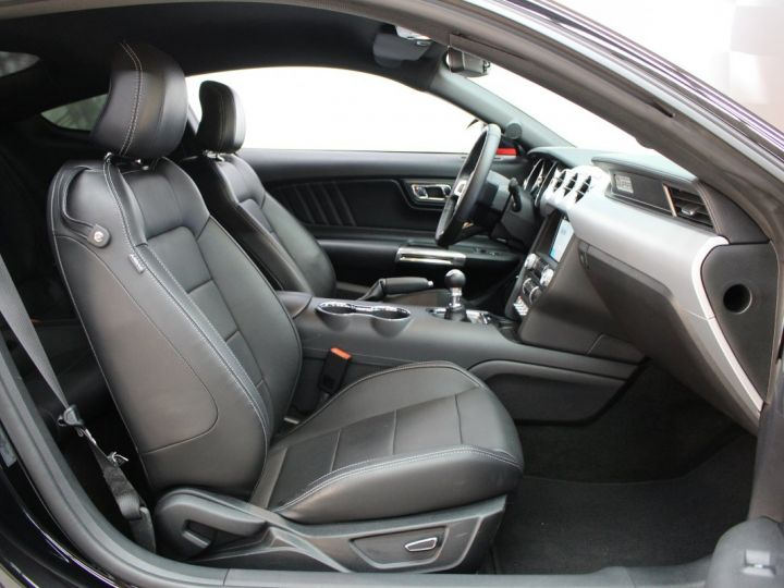 Ford Mustang Ford Mustang fastback 5.0 V8 / 11000 kms / Pack Prenium / Pack Hif Shaker / CAMERA BLACK SHADOW Occasion - 17
