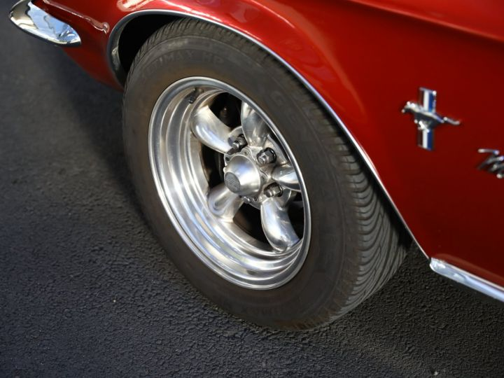 Ford Mustang FORD MUSTANG HARD TOP 1967 / MOTEUR 302 CI / BVA / ECHAPPEMENT SPORT / ENTRETENUE Bordeaux - 22