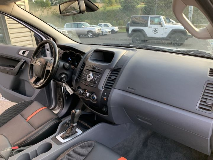Ford Ranger 3.2 L TDCI 200 CV Wildtrack Boite Auto Gris clair - 14