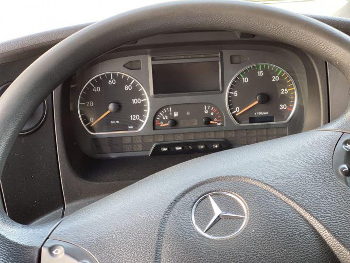 Fourgon Mercedes Atego Caisse fourgon + Hayon élévateur 1218 FOURGON 43 m3 HAYON RABATTABLE PORTE LATERALE COULISSANTE  NOIR - 9