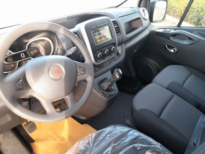 Fourgon Fiat Talento L1H1 2.0 MULTIJET 145CH PRO LOUNGE GRIS FONCE METAL - 6