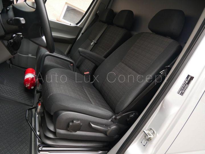 Fourgon Mercedes Sprinter Fourgon tolé 319 BlueTEC Fourgon Compact, Caméra, GPS, Attelage Argent Brillant métallisé - 7