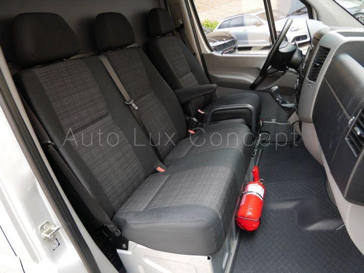 Fourgon Mercedes Sprinter Fourgon tolé 319 BlueTEC Fourgon Compact, Caméra, GPS, Attelage Argent Brillant métallisé - 8