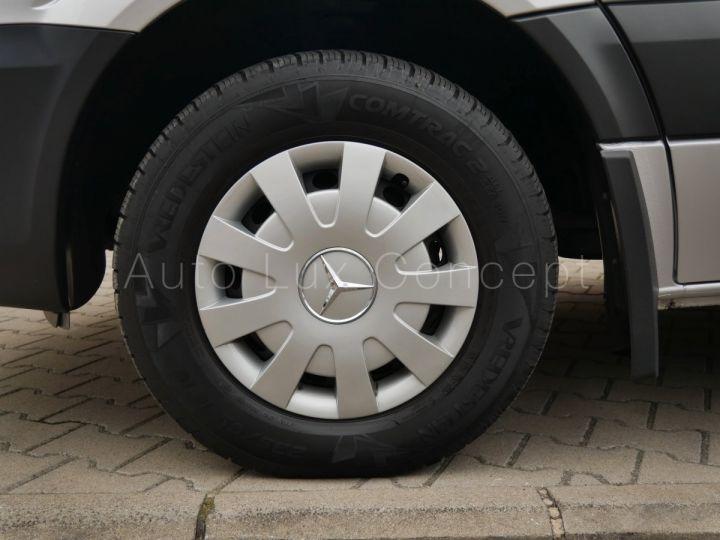 Fourgon Mercedes Sprinter Fourgon tolé 319 BlueTEC Fourgon Compact, Caméra, GPS, Attelage Argent Brillant métallisé - 10