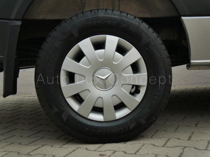 Fourgon Mercedes Sprinter Fourgon tolé 319 BlueTEC Fourgon Compact, Caméra, GPS, Attelage Argent Brillant métallisé - 13