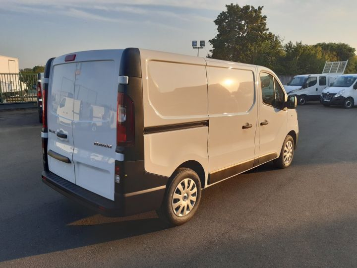 Fourgon Renault Trafic Fourgon tolé L1H1 2.0 BLUE DCI 120CH GRAND CONFORT BLANC - 3