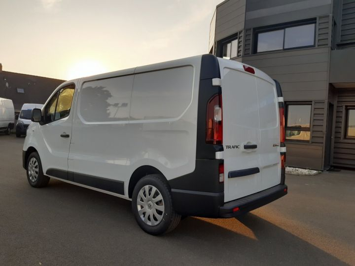 Fourgon Renault Trafic Fourgon tolé L1H1 2.0 BLUE DCI 120CH GRAND CONFORT BLANC - 4