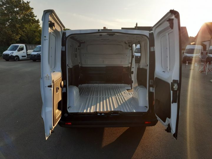 Fourgon Renault Trafic Fourgon tolé L1H1 2.0 BLUE DCI 120CH GRAND CONFORT BLANC - 5