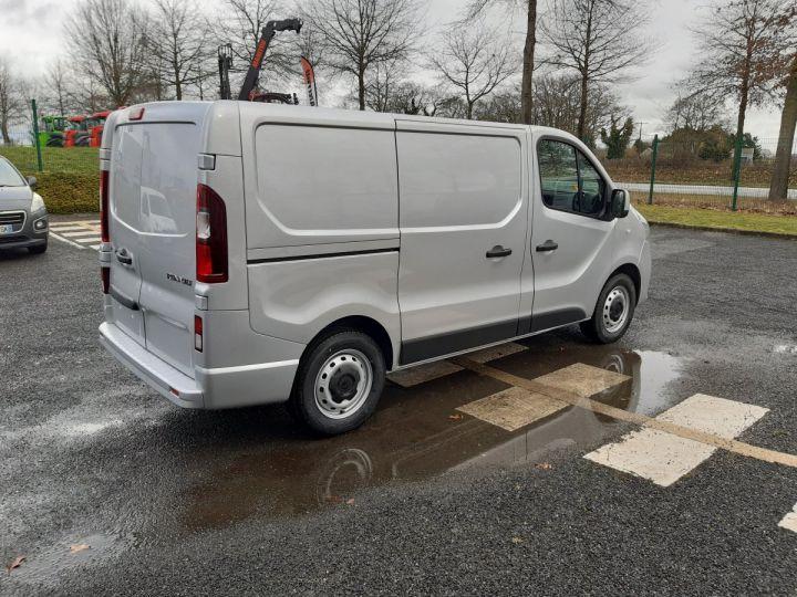 Fourgon Renault Trafic Fourgon tolé L1H1 2.0 DCI 145CV boite automatique neuf et dispo GRIS CLAIR METAL - 3