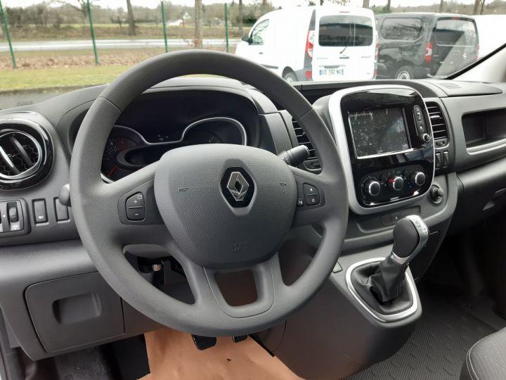 Fourgon Renault Trafic Fourgon tolé L1H1 2.0 DCI 145CV boite automatique neuf et dispo GRIS CLAIR METAL - 9